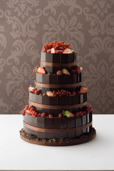 Dark Chocolate Plaque, Berry Fountain Wedding Cake from Le Paillon Patisserie