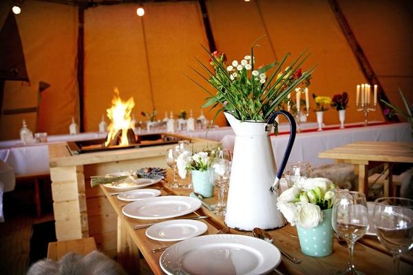 Wedding Styling in PapaKåta Tent