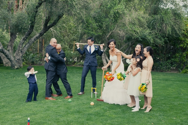 Wedding party playing croquet - Picture by onelove photography