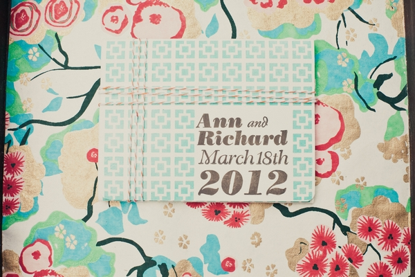 Wedding invitation - Picture by onelove photography