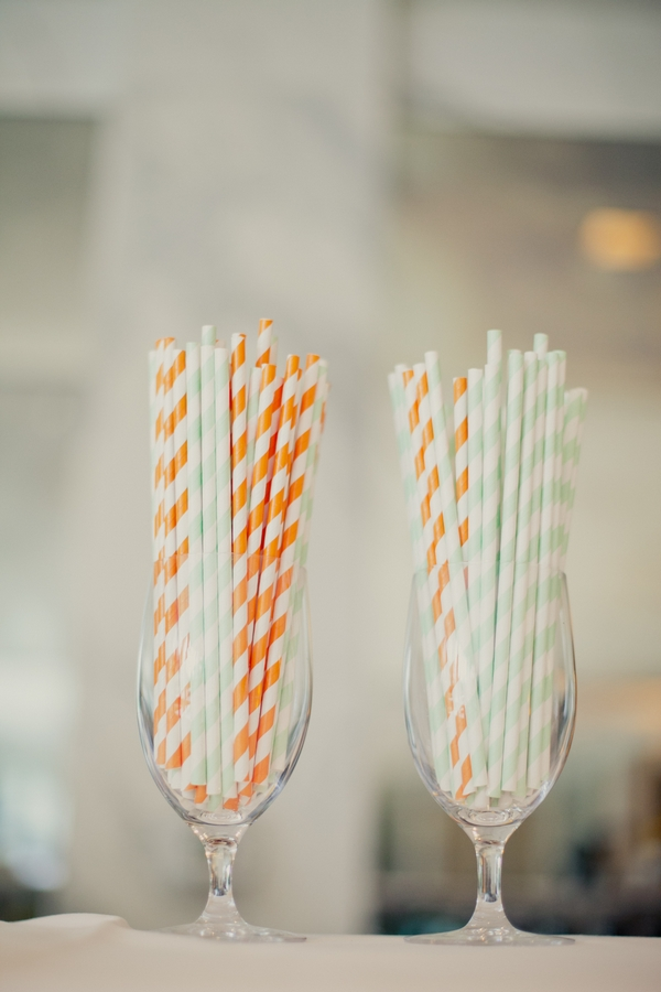 Striped straws in glasses - Picture by onelove photography