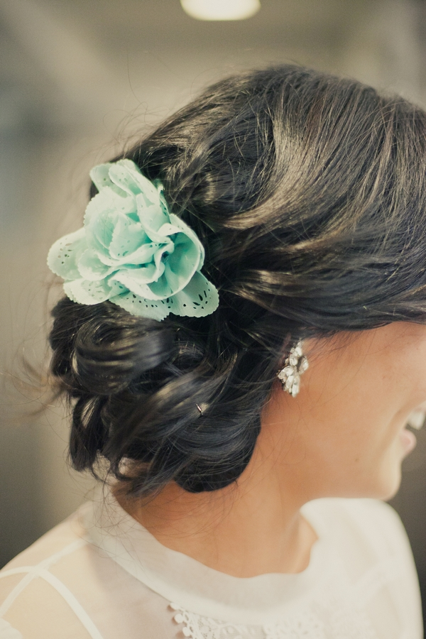 Mint green hair tie - Picture by onelove photography