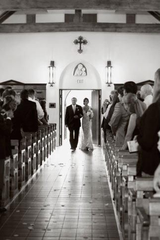 Bride walking with father down the aisle - Picture by Joielala