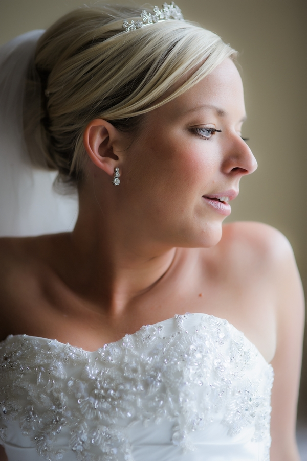 Bride looking to the side - Picture by Pixies in the Cellar