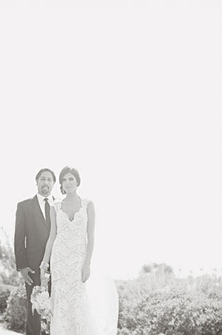 Hazy black and white picture of bride and groom - Picture by Joielala