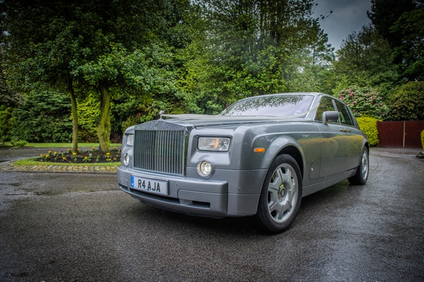 Rolls Royce Phantom wedding car - Picture by Pixies in the Cellar
