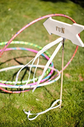 Fun arrow sign - Picture by Kate Harrison Photography