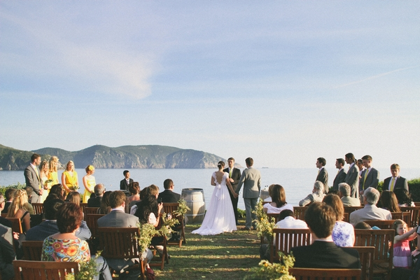 Outdoor wedding ceremony by sea in Corsica - Picture by DanielRM