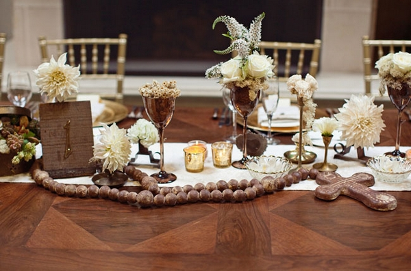 Wedding table display on grand table - Picture by Joielala