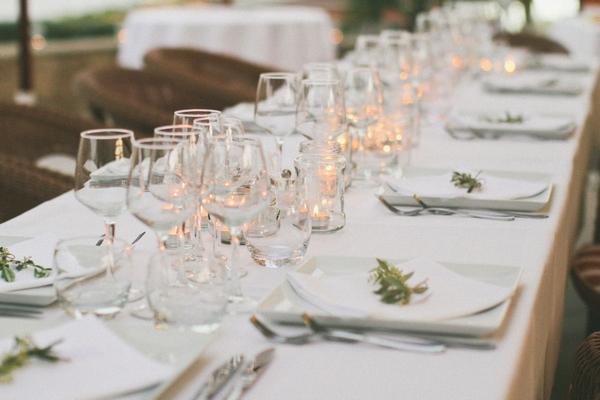 Elegant wedding table arrangement - Picture by DanielRM