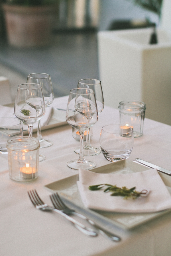 Wedding table place setting - Picture by DanielRM