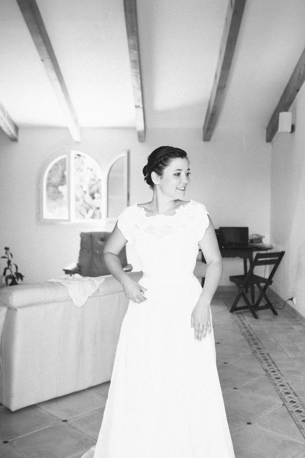 Bride wearing 1960's wedding dress - Picture by DanielRM