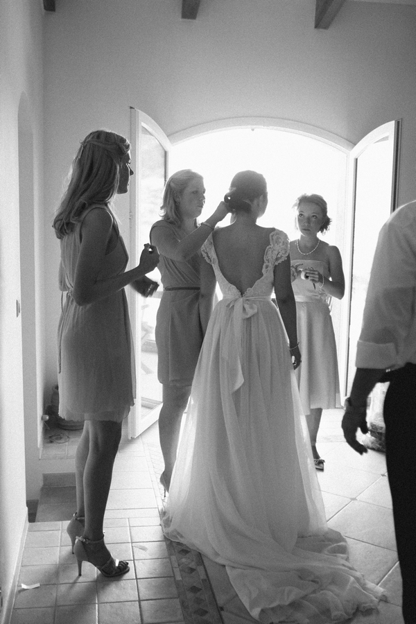 Back of bride's 1960's wedding dress - Picture by DanielRM