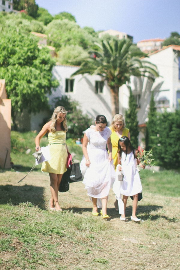 Bride and bridesmaids walking to wedding in Corsica - Picture by DanielRM