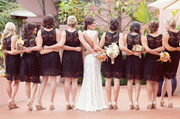 Bride with bridesmaids wearing black dresses - Picture by Joielala