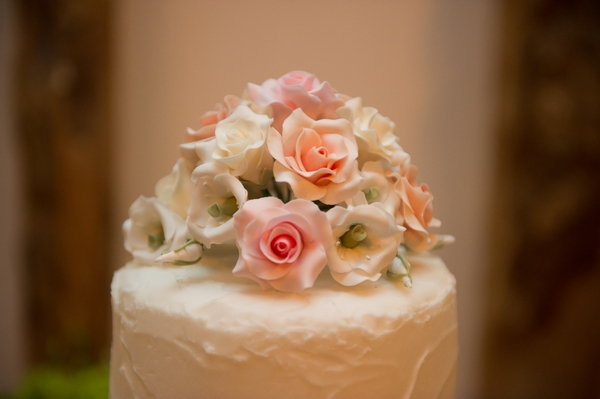 Sugar flowers on wedding cake - Picture by Gareth Squance Photography