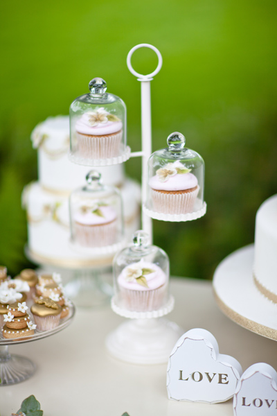 SMall wedding cupcakes - LoveLuxe Launch
