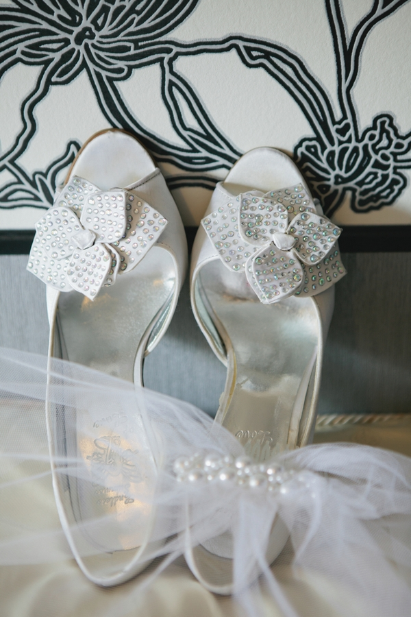 Wedding shoes with bows - A Spring Themed Wedding in Hungary