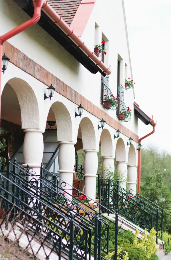 Erdőspuszta Club Hotel - A Spring Themed Wedding in Hungary