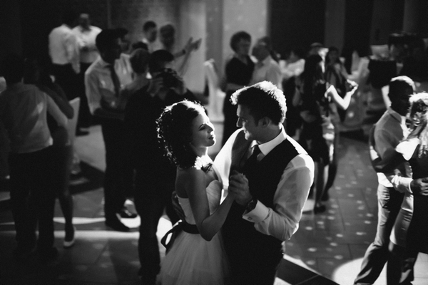 Bride and groom wedding dance - A Spring Themed Wedding in Hungary