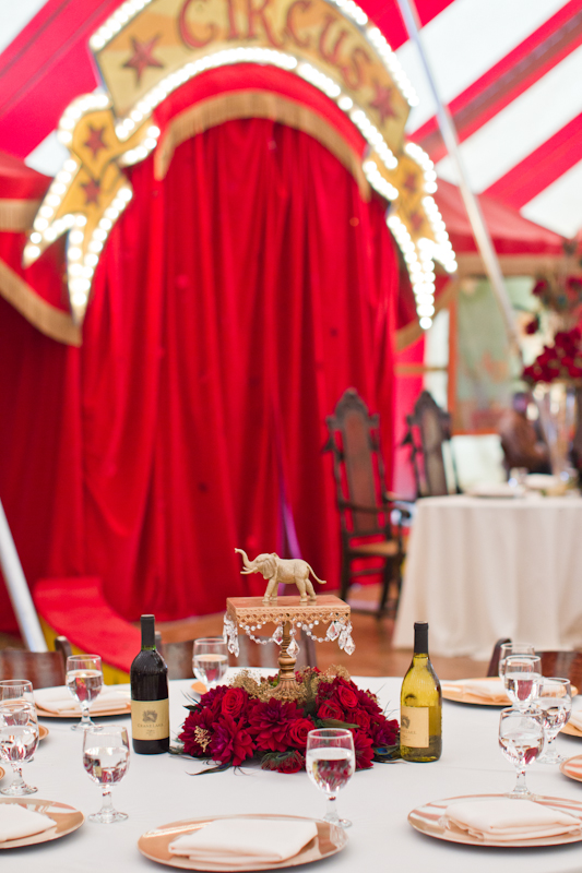Wedding table with elephant centrepiece