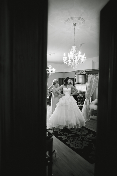 Bride getting ready for wedding - Picture by Karli Harrison Photography