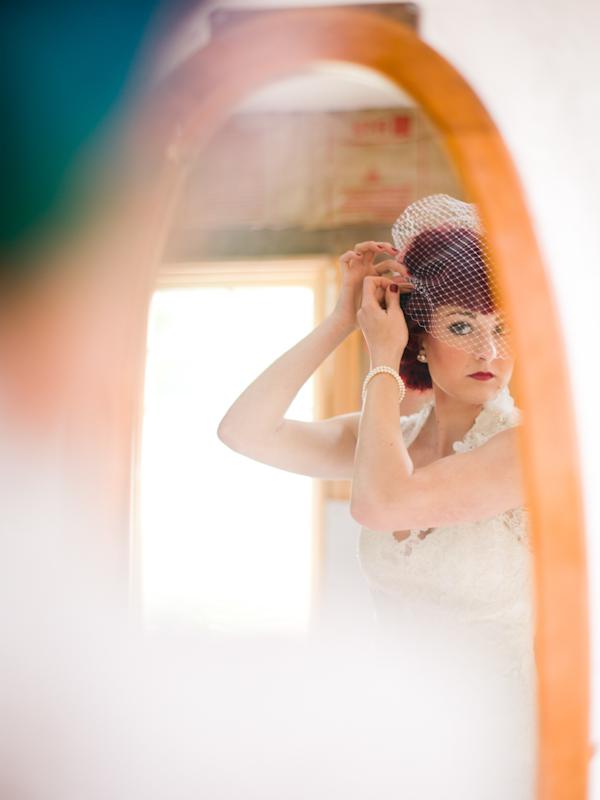 Bride fastening veil