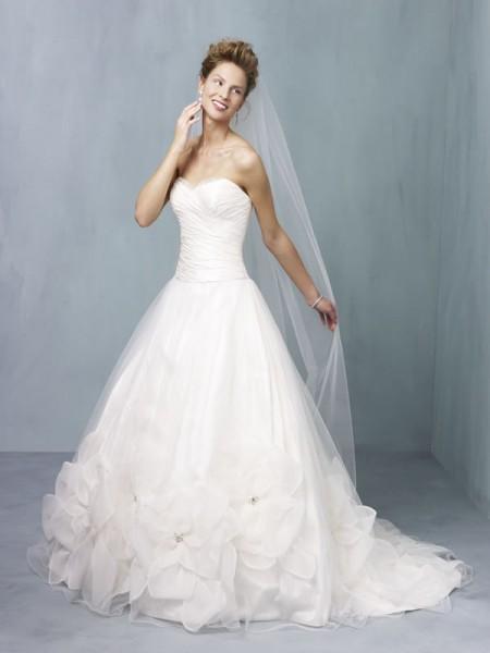 Ian Stuart Supernova 2013 Bridal Collection | The Wedding Community Blog