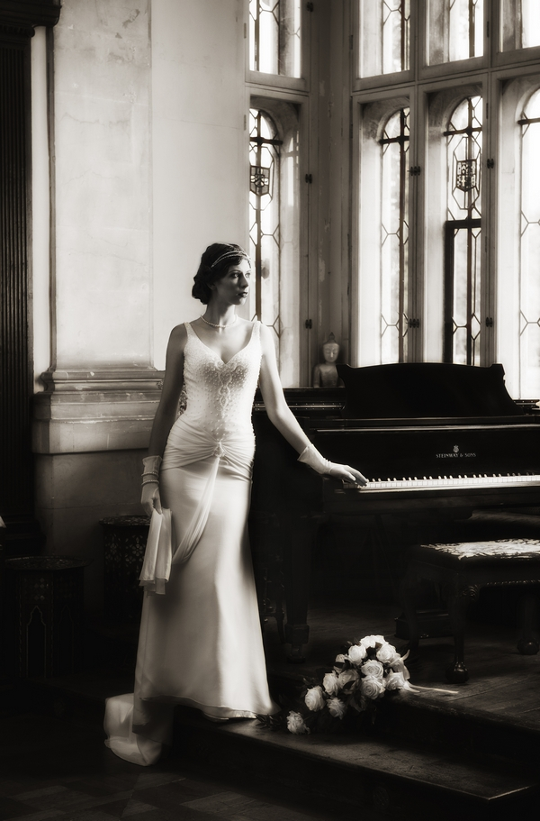 Black and white picture of 1920's bride