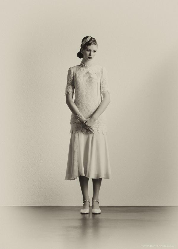 1920's bride in vintage wedding dress