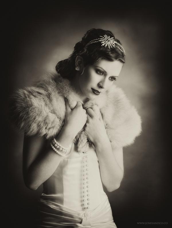 1920's bride with shrug