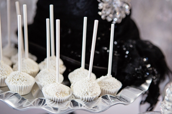 Cupcakes on sticks