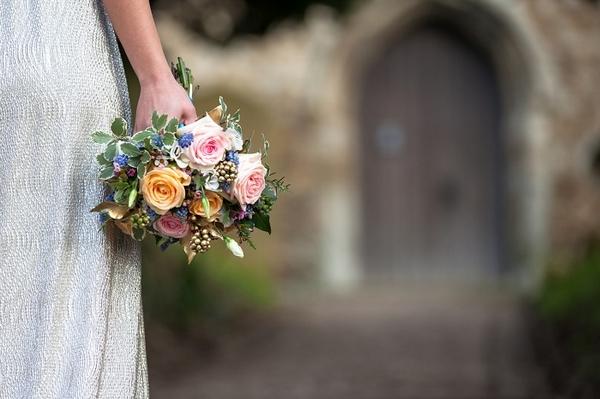 Bouwuet in bride's hand