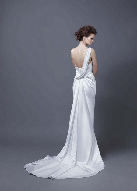 Picture of Back of Hema Wedding Dress - Enzoani 2013 Collection