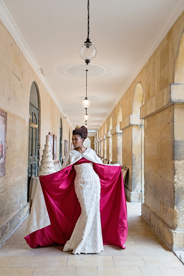 Bride red-lined long wedding coat