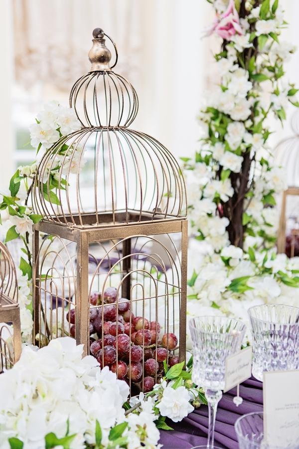 Birdcage table prop