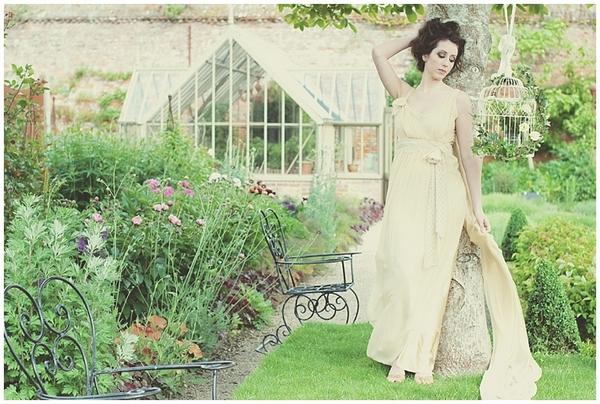 Secret garden bridal shoot