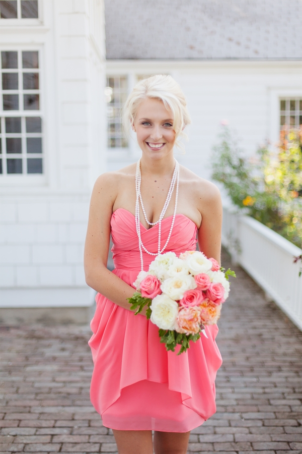 Bridesmaid in bright pink dress