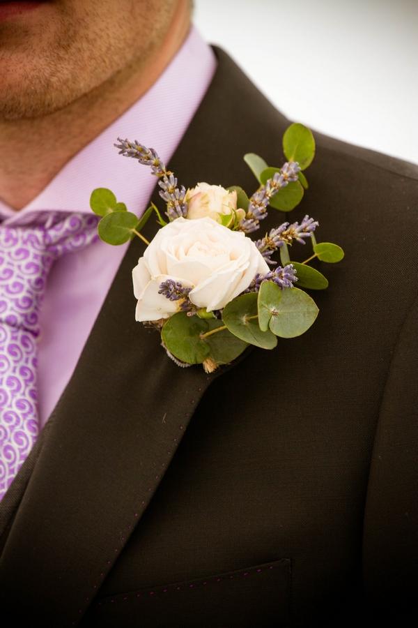 Buttonhole on groom's jacket