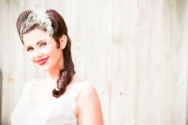 Vintage bride with fascinator