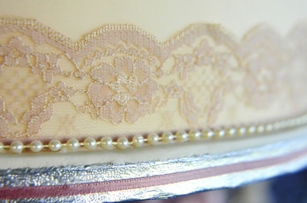 Lace on wedding cake tier