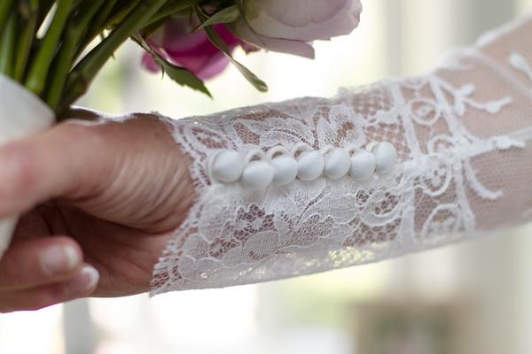 Lace sleeve of wedding dress