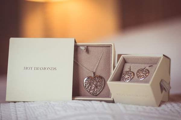 Hot Diamonds bridal necklace and earrings