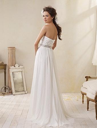 Back of 8500 Wedding Dress - Alfred Angelo Modern Vintage Bridal 2014 Bridal Collection