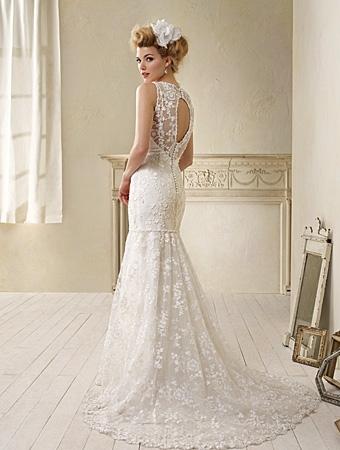 Back of 8507 Wedding Dress - Alfred Angelo Modern Vintage Bridal 2014 Bridal Collection