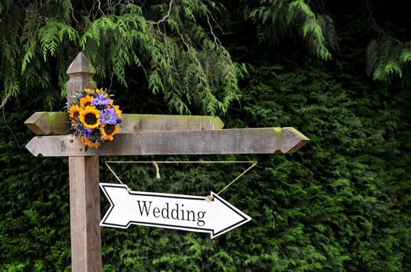 Wedding sign post