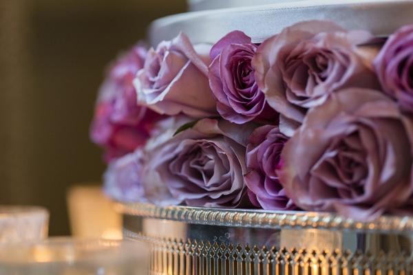 Purple flowers in wedding cake
