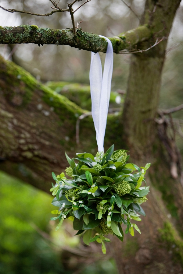 Leaf bouquet hanging from tree