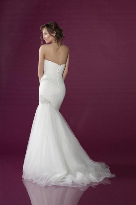 Back Of 2402 Wedding Dress Benjamin Roberts 2017 Collection