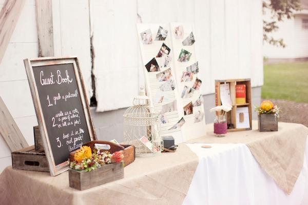 Wedding guest book tab;e